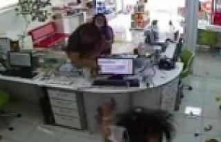 Eczane çalışanına saldırı görüntüleri güvenlik...