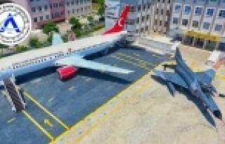 Uçak Bakım Lisesi, alanında birinci sırada yerini...