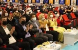 Alanya Ak Kadınlar kongresini yaptı