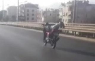 Antalya'da motosiklet sürücülerinin pes dedirten...