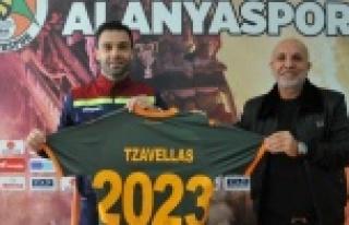 Alanyaspor'la sözleşmesini 2 yıl daha uzattı