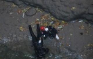 Kayıp gencin cesedi 50 metre derinlikteki obrukta...