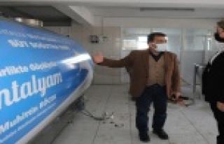 Büyükşehir Manavgat'ta süt üreticilerine süt...