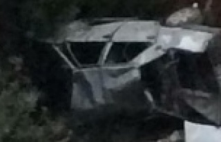Otomobil şarampole yuvarlandı: 1'i ağır 3...
