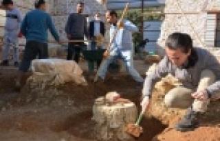 Alanya Gülevşen Camii'nde zemin kazısı devam...