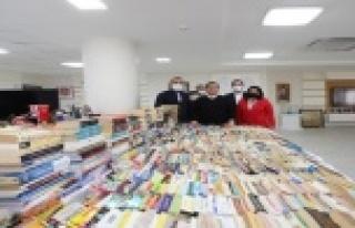 AK Parti, Cemil Meriç Kitaplığına 4 binden fazla...