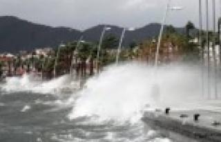 Alanya'da denizciler uyarıldı
