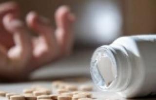 Alanya'da genç kız intihara kalkıştı