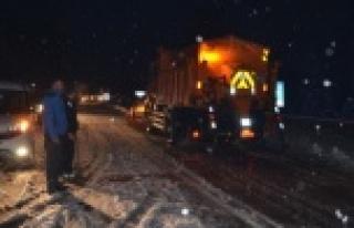 Alanya Konya karayolunda kar kalınlığı 20 santime...