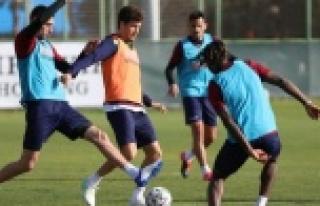Alanyaspor'da Antalyaspor maçı hazırlıkları...