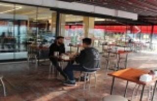 Antalya'da kafe ve restoranlar yüzde 50 kapasiteyle...
