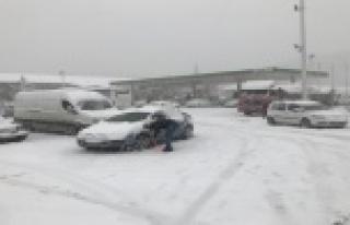 Antalya-Konya karayolunda kar sebebiyle felç olan...