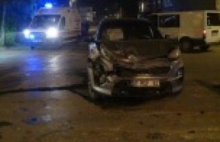 Cip ile minibüs çarpıştı: 1 yaralı var