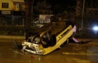 İki otomobile çarpan araç takla attı: 1 yaralı...