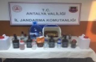 Serik'te kaçak ve sahte alkol operasyonu: 2 gözaltı