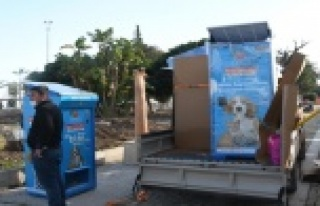 Sokak hayvanları için güneş enerjisiyle çalışan...