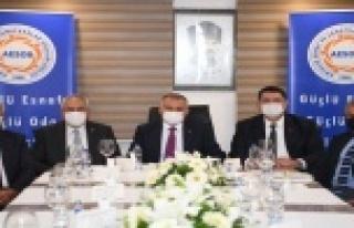 Vali Yazıcı, sezon öncesi esnaf odası başkanlarıyla...