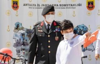 '23 Nisan'da Çocuk Gözüyle Jandarma'...