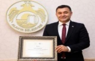 Alanya Belediyesi'ne büyük ödül Başkan Yücel'in...