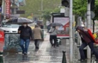 Antalya soğuk ve yağışlı havanın etkisi altına...