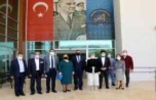 """AÜ Rektörü Özkan: """" Kampüsü boş görmek yüreğimi..."""