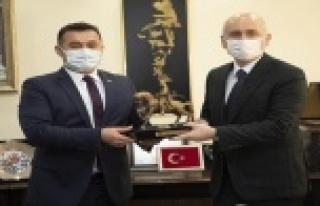 Bakan Karaismailoğlu Alanya Belediyesi'ni ziyaret...