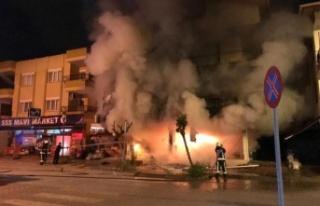 Gazipaşa'da eczanede çıkan yangın mahalleyi...