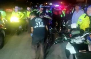 Trafik polis otosu ile motosikletli trafik polisi...