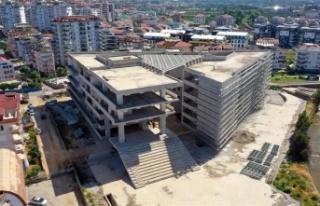 Alanya Belediyesi hizmet binası inşaatında çalışmalar...
