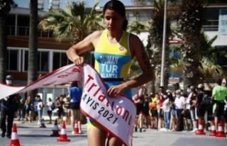 Alanya Belediyesi Triatlon Takımı gururlandırdı