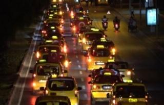 Antalya'da taksicilerden İsrail'i kınama...