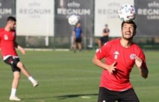 Antalyaspor ligde kalmayı garantiledi