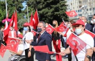 Başkan Böcek Atatürk Anıtına çelenk sundu