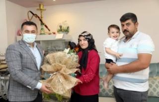 Başkan Yücel'den Ahmet bebeğin annesine sürpriz...