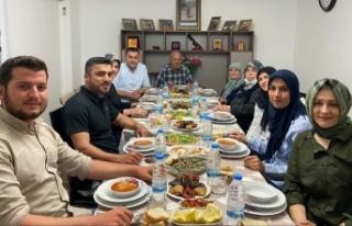Başkan Yücel iftarını şehidimizin ailesi ile...