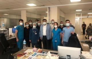 Bayramda görev başındaki sağlık çalışanlarından...