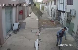 Kablolara dadanan hırsız pusuya yatan esnaf sayesinde...