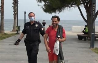 Kısıtlamada sokakta yakalanıp ceza yiyince polislerin...