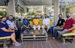 Mahmutlardan Ahmet'e maskeli destek