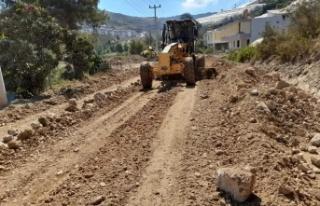 Seki ve İshaklı'da asfalt hazırlığı