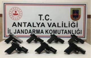 Silah kaçakçılığına suçüstü: 2 gözaltı...
