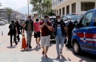 Alanya'da polisten uyuşturucu operasyonu: 3...