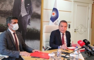Antalya Büyükşehir'den işçilerine 3 bin...