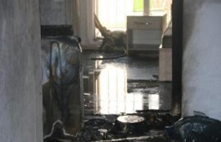 Çamaşır makinesinden çıkan yangın apart daireyi...