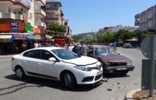 Sürücünün kararsızlığı kazaya sebep oldu:...