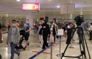 Turizm merkezi Antalya'da vaka sayısındaki düşüş...