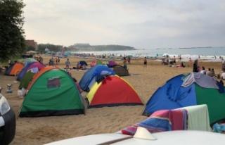 Alanya'da plajda bıçaklı saldırı: 2 yaralı...