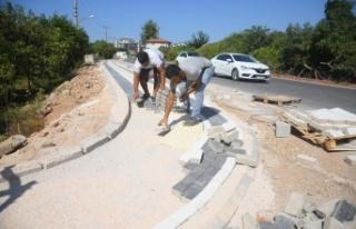 Alanya Oba Hatipoğlu Sokak'ta kaldırım çalışması