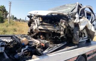Alanya yolunda feci kaza: Baba öldü, anne ve 2 çocuğu...