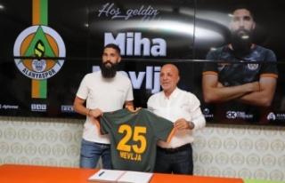 Alanyaspor, Slovenyalı stoperle ile 3 yıllık sözleşme...